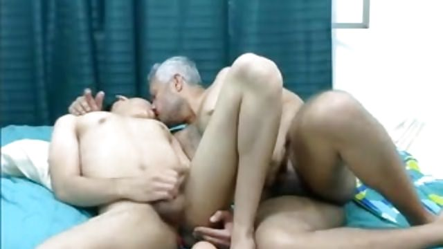 Older & Youthful Homo Latino Duo