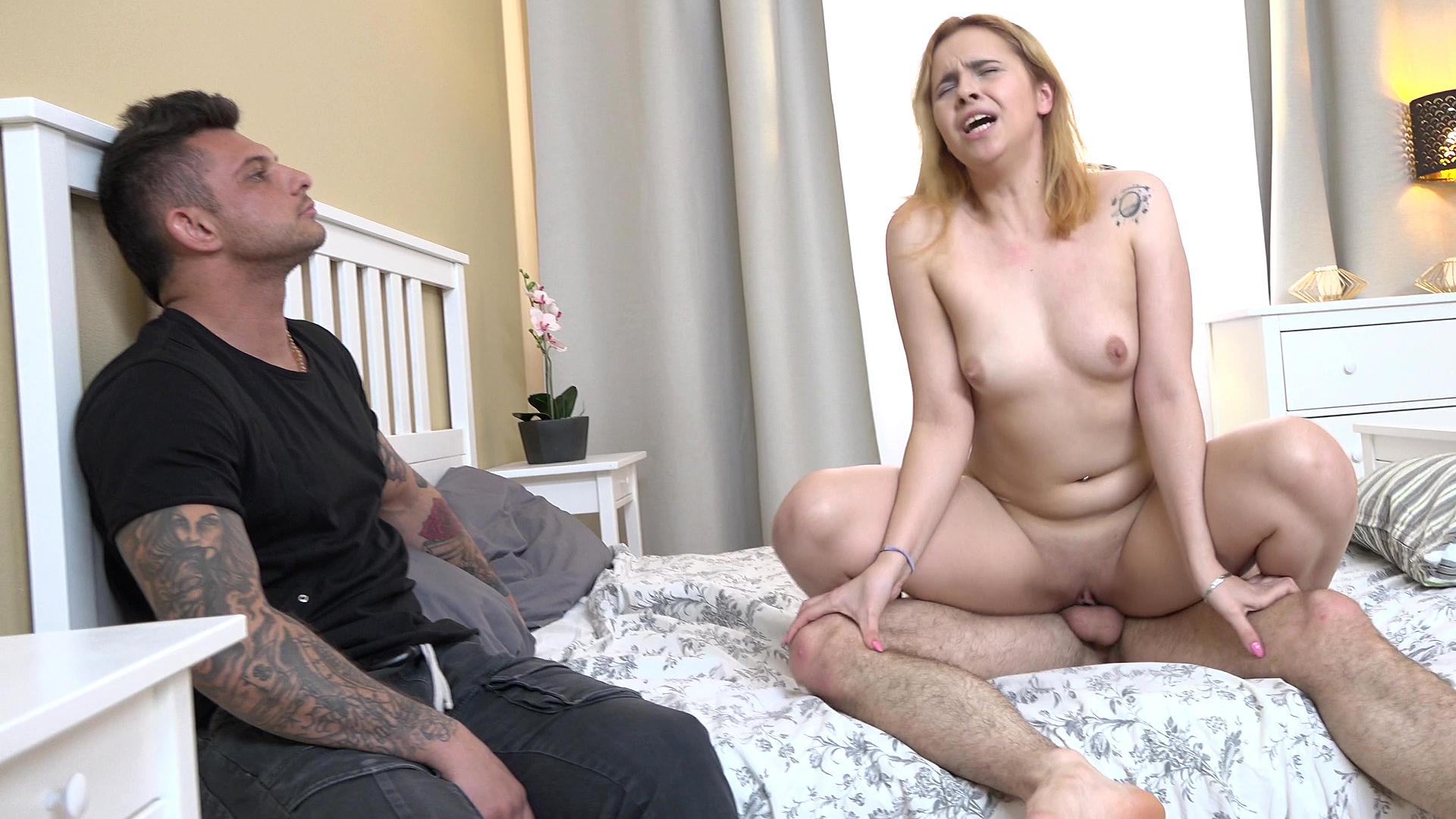 Ginger-haired Girlfriend Drill For Hire Cash