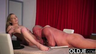 Steamy Nubile Vagina Eating Xxx Drilling In Elder Youthful Pop-shot Facial Cumshot